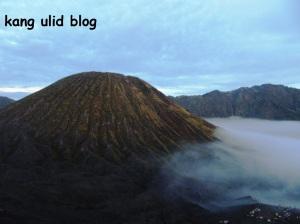 Gunung Batok, bromo